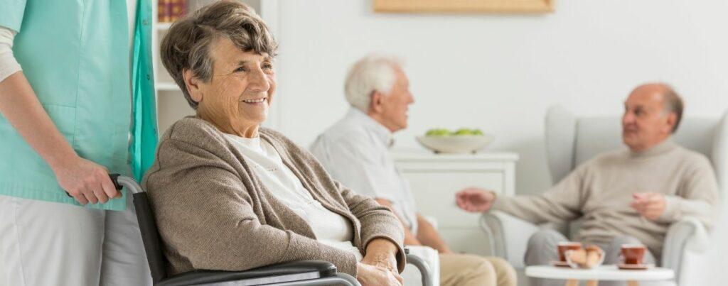 Căminele de bătrâni – creștere de 7,7 ori în 5 ani