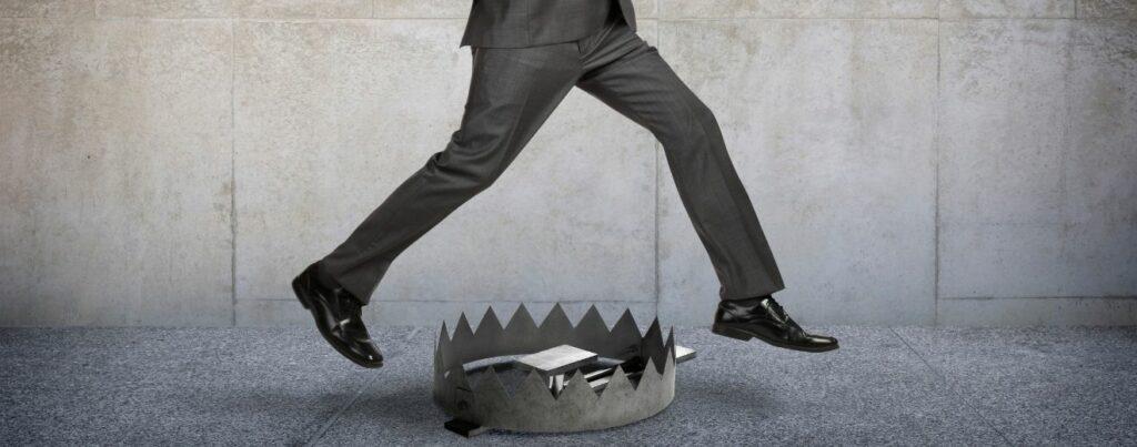 Cum te feresti de escroci în afaceri | Termene.ro